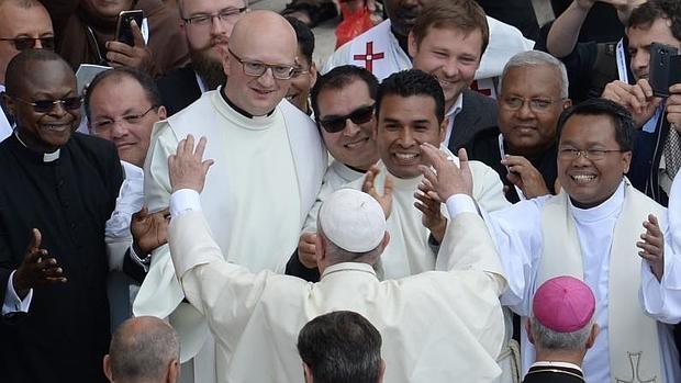 papa-sacerdotes-misa--620x349.jpg